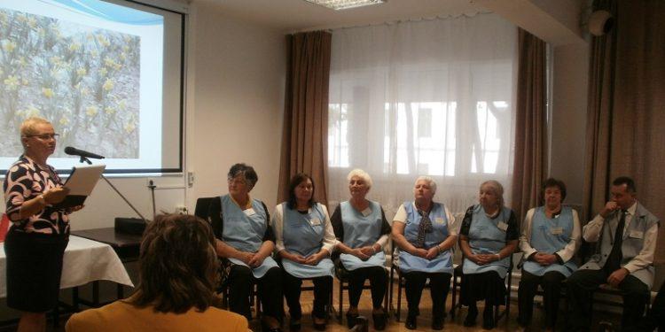 Önkéntesek avatása és nárciszültetés a hospice világnapja tiszteletére